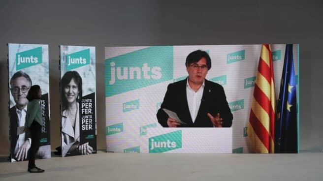 Carles Puigdemont en la campaña de las elecciones de Cataluña del 14-F.