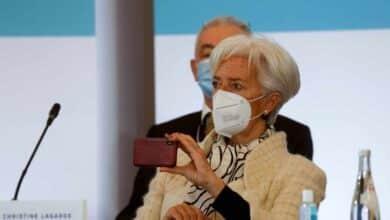 """Lagarde considera """"inconcebible"""" condonar la deuda"""
