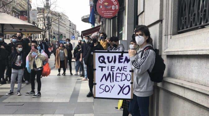 """El colectivo no binario exige no indicar el género con la ley Trans: """"Con Carmen Calvo no estoy a salvo"""""""