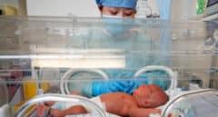 Conoce a su bebe dos semanas después de dar a luz al ser intubada por Covid-19