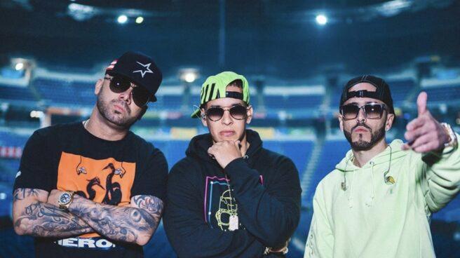 El cantante Daddy Yankee junto con Wisin y Yandel