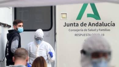 Coronavirus en Andalucía: bajan los hospitalizados y los ingresos en UCI