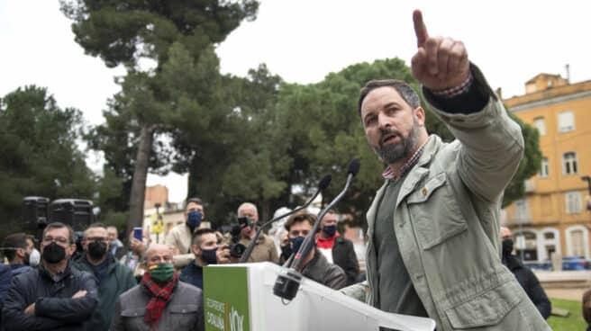 El presidente de Vox, Santiago Abascal, interviene durante un acto de campaña previo a las elecciones del 14-F, en Figueres