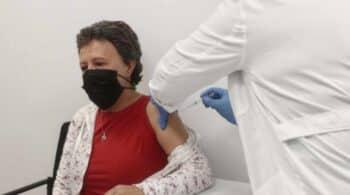 Comienza este lunes la vacunación de grandes dependientes de Madrid