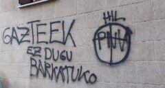 Aparecen pintadas contra el PNV y la Ertzaintza en Hondarribia