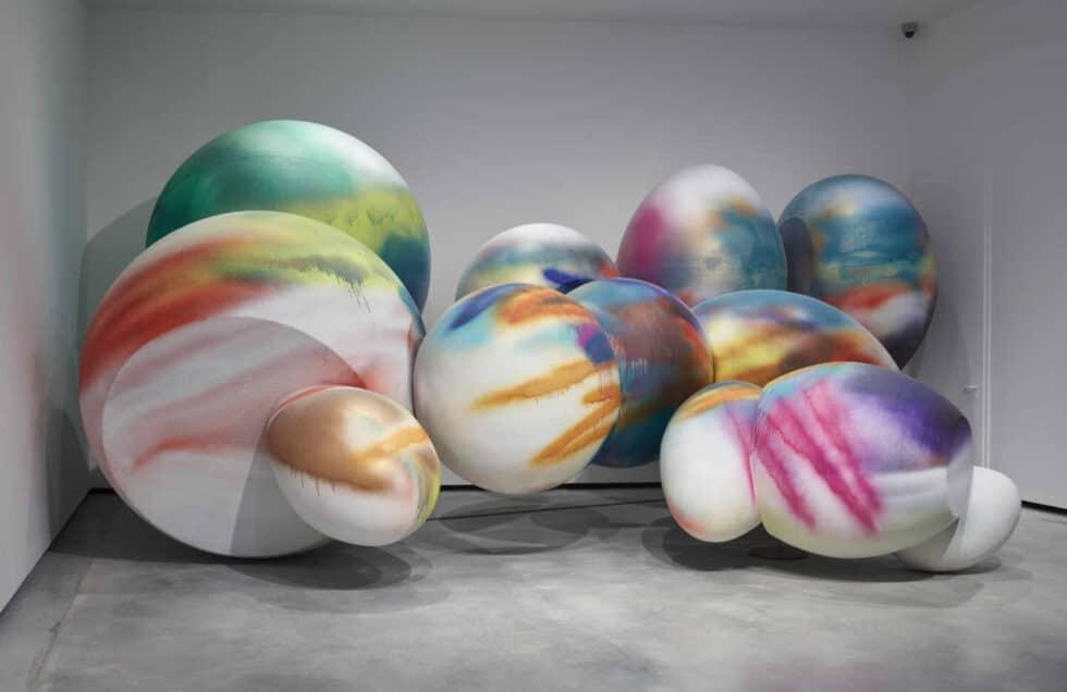 Faux Rocks (2006), Katharina Grosse.