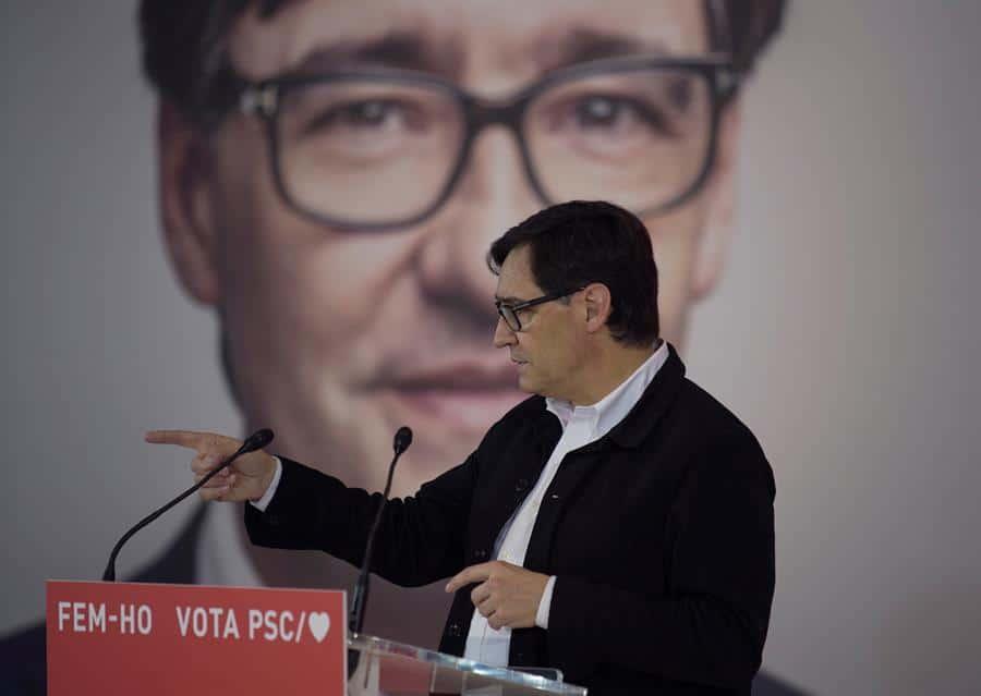 El candidato del PSC, Salvador Illa, en un acto de campaña.