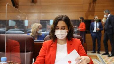Madrid se rebela contra Sanidad y se niega a adelantar a las 22 h el toque de queda