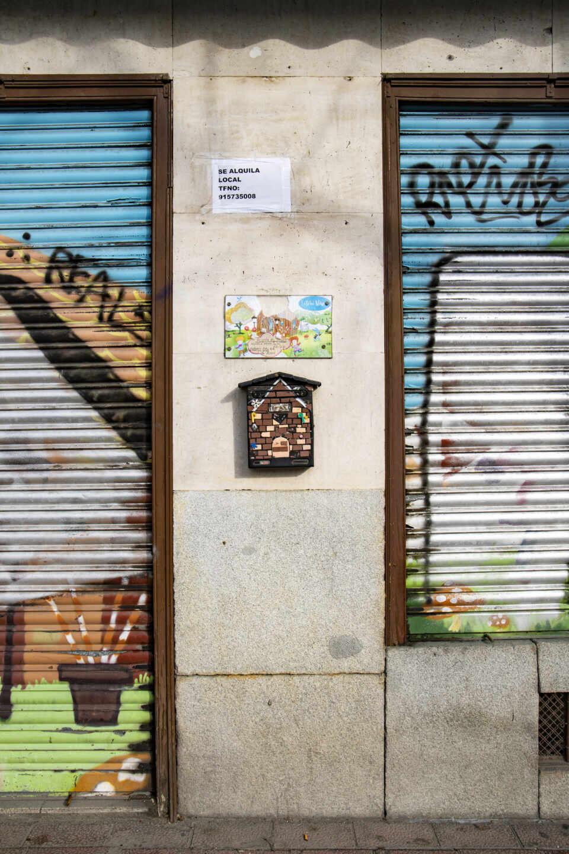 """El local de la juguetería La Bolsa Mágica, a las puertas del retiro, ya tiene un cartel de """"Se Alquila"""""""