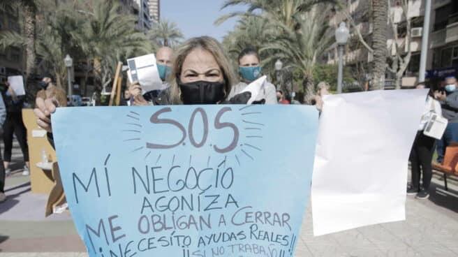 Manifestación contra el cierre de la hostelería en Alicante.