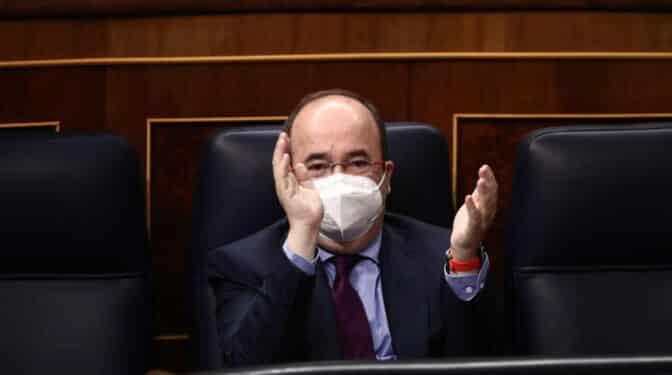 Miquel Iceta, primer ministro del Gobierno Sánchez vacunado