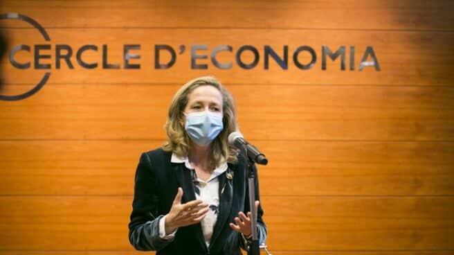 La vicepresidenta de Asuntos Económicos y Transformación Digital, Nadia Calviño, durante su intervención en el Cercle d'Economia