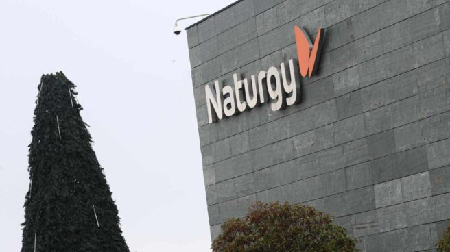 Fachada de la sede central de Naturgy, en Madrid