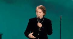 Raphael desata la polémica con su personal interpretación del Himno de Andalucía