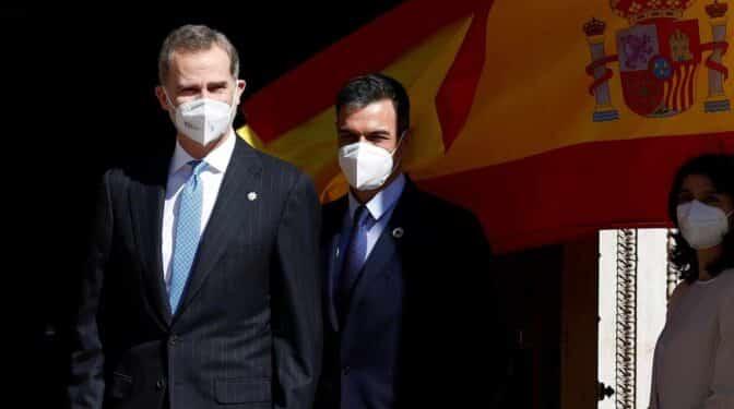 """Felipe VI reivindica la """"firmeza"""" de Juan Carlos I para frenar el golpe de Estado"""