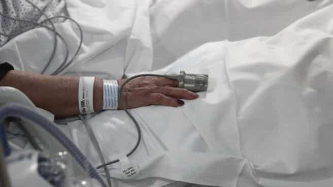 Una pareja ingresada por Covid contrae matrimonio en la UCI antes de ser sedados e intubados