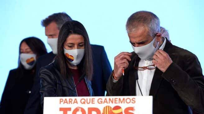 La presidenta de Ciudadanos, Inés Arrimadas; y el líder de la formación en Cataluña, Carlos Carrizosa.