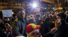 La Generalitat responsabiliza a Vox de los ataques y le acusa de no seguir indicaciones de los Mossos