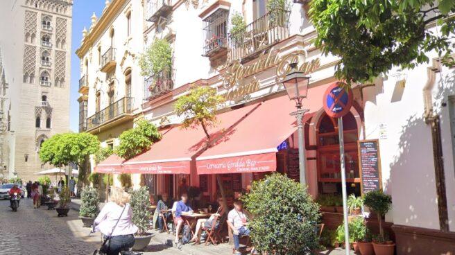 Bar Giralda, en la calle Mateos Gago de Sevilla.