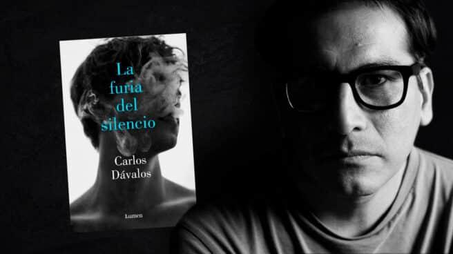 Imagen de Carlos Dávalos con la portada de su libro La furia del silencio