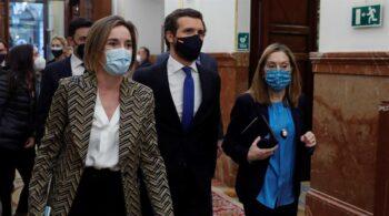 Casado reivindica el legado de Rajoy y Aznar en el Congreso