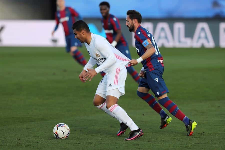 Carlos Henrique Casemiro, durante el Huesca-Real Madrid.