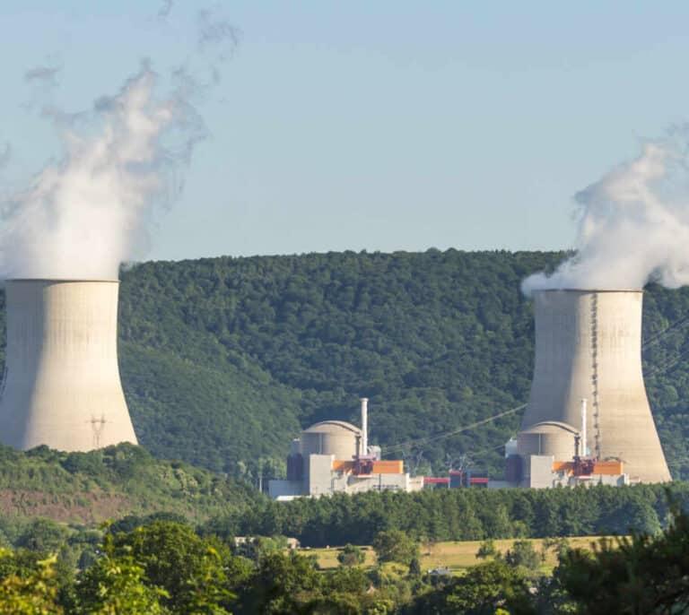 La falta de suministro energético arrincona al plan de cierres de centrales nucleares del Gobierno