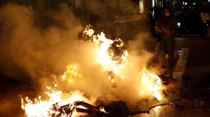 """Podemos dice que centrarse en los disturbios es una """"trampa"""" de los medios de comunicación"""