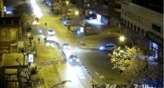 Se derrumba la fachada de un edificio con 3 personas en su interior en Madrid