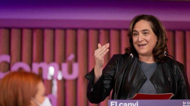 La alcaldesa de Barcelona, Ada Colau (en la imagen), interviene durante un acto en Barcelona.
