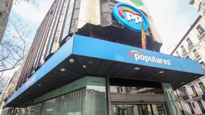 Sede nacional del Partido Popular, en la confluencia de las calles Génova y Zurbano.