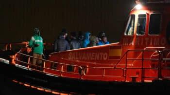 Interior gastará 605.000 euros al mes en vuelos para repatriar a inmigrantes
