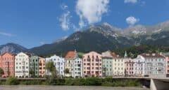 Austria intenta aislar el Tirol tras detectar 165 casos de la variante sudafricana