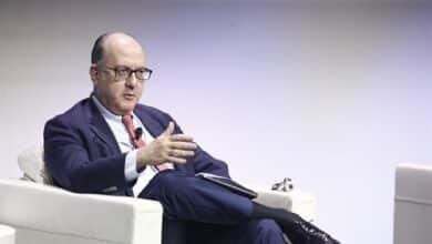 Banca y CEOE reclaman ayudas directas al Gobierno y aplazan el debate de las quitas