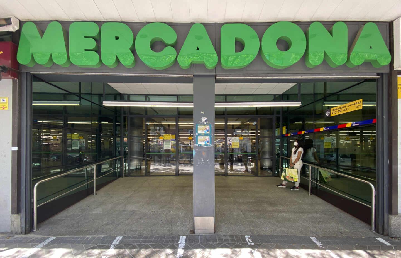 La entrada de un supermercado Mercadona en Madrid.