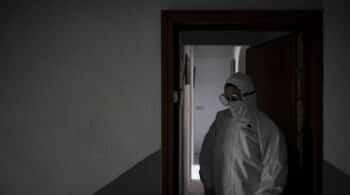 """El SOS de los sanitarios: """"Faltan ataúdes en televisión"""""""