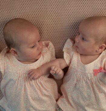 Superimpregnación, el fenómeno que produce mellizos de padres diferentes y otros embarazos extraordinarios