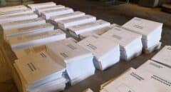 Papeletas y sobres de las elecciones generales en Barcelona.