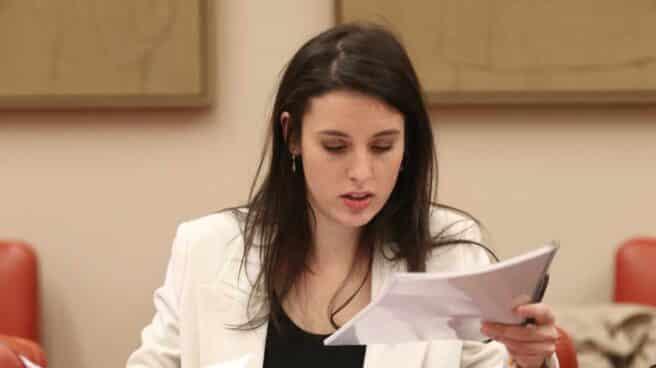 La ministra de Igualdad, Irene Montero, durante la reunión de Comisión de Igualdad en el Congreso de los Diputados en Madrid.