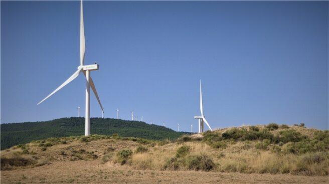 Aerogeneradores de viento de Iberdrola en el parque eólico de Zaragoza