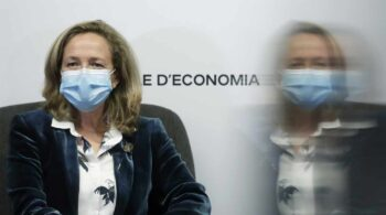 España coloca 5.000 millones a 50 años y recibe una demanda 13 veces mayor