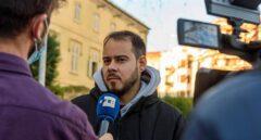 El rapero Pablo Hasel concede una entrevista en Lleida.