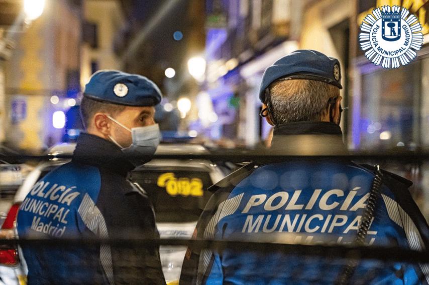 Dos agentes de la Policía Municipal de Madrid.