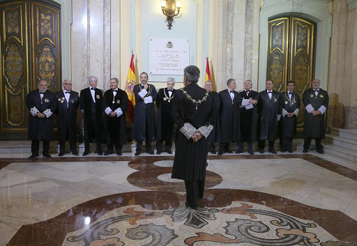 Los vocales del CGPJ con su presidente, Carlos Lesmes, de espaldas