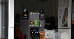 Un surtidor de gasolina en una estación de servicio de Respol