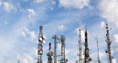EY anima a Telefónica, Vodafone y Orange a abandonar la gestión de torres para ahorrarse 31.000 millones