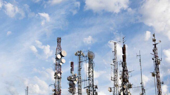 Varias torres de telecomunicaciones en una de las zonas más altas de Málaga