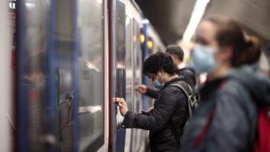 """Los últimos del Metro: """"La hora antes del toque de queda esto es una estampida"""""""