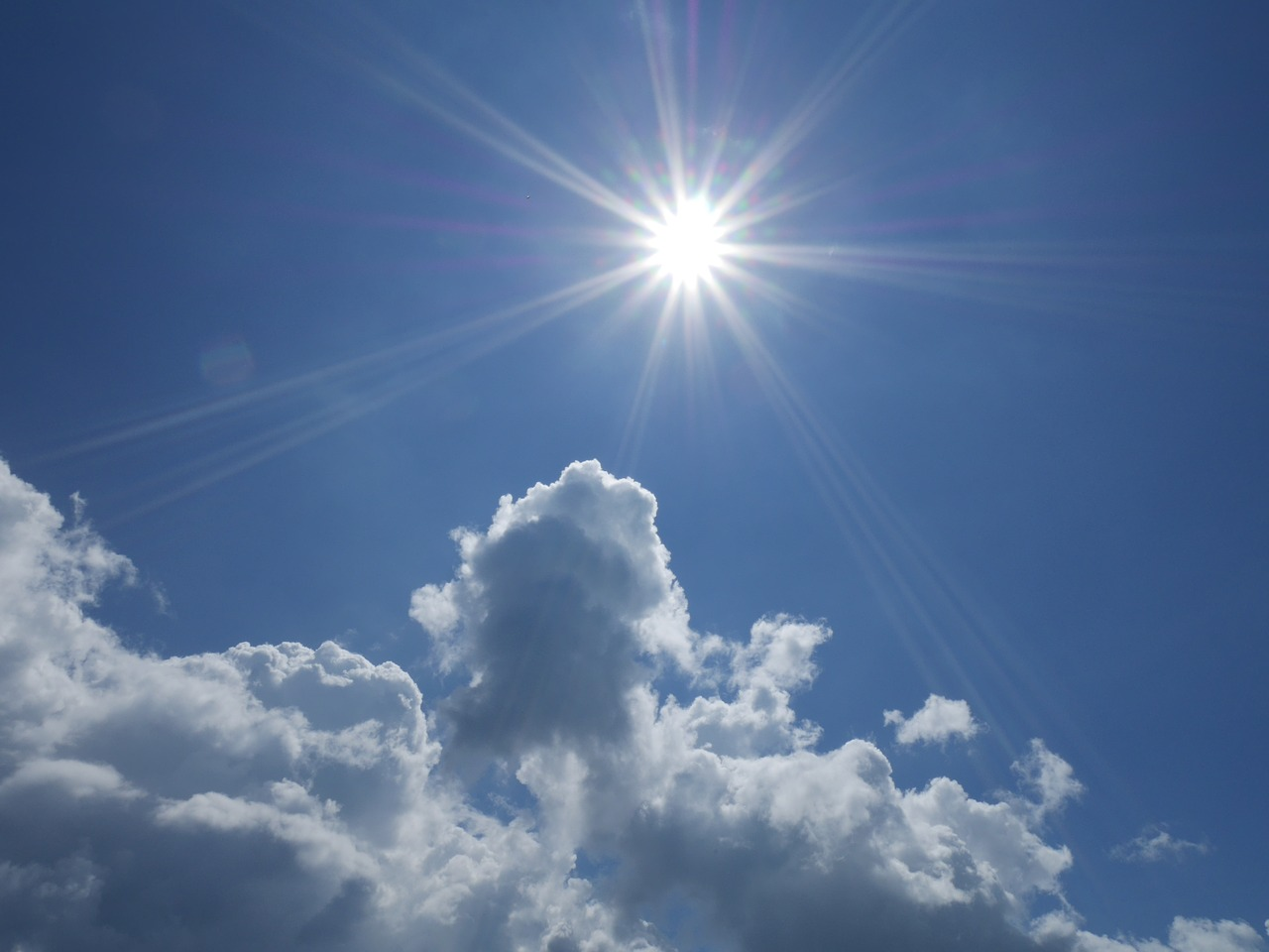 Imagen del sol, fuente de vitamina D