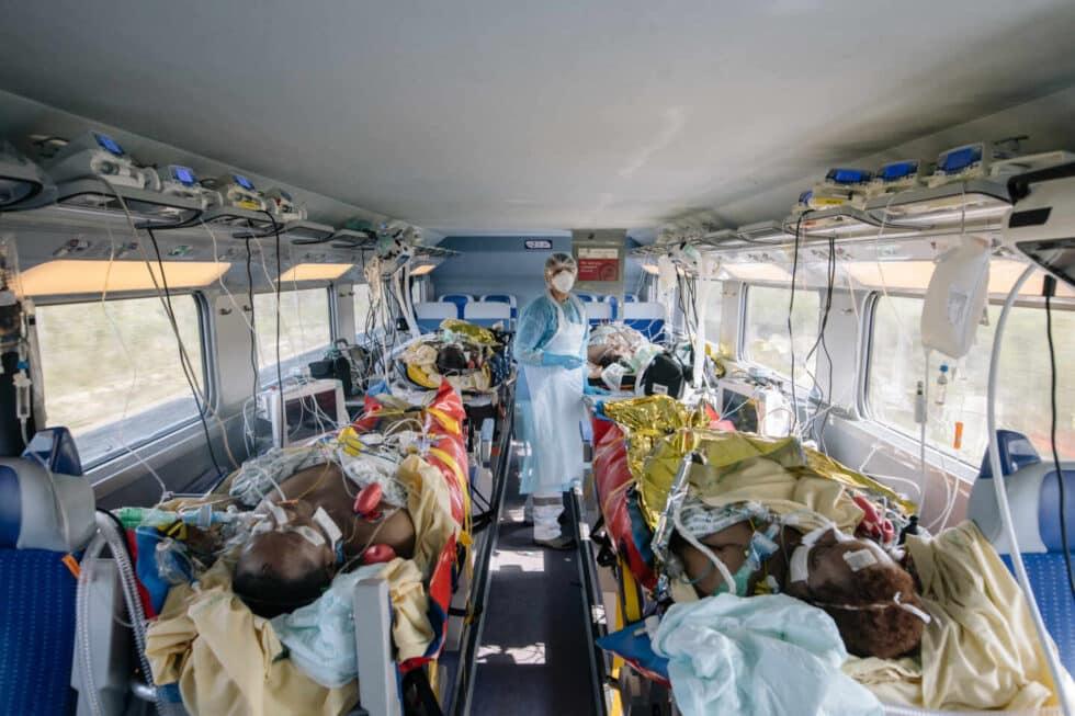 Un vagón de tren con enfermos de covid